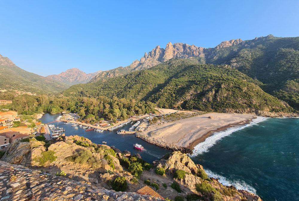 Depuis Porto, partez découvrir les calanches de Piana, la réserve de la Scandola, et bien d'autres merveilles